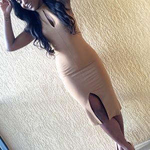 Dresses & Skirts - Tan keyhole midi dress